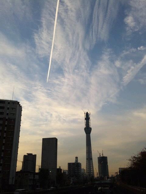 ヒコーキ雲と